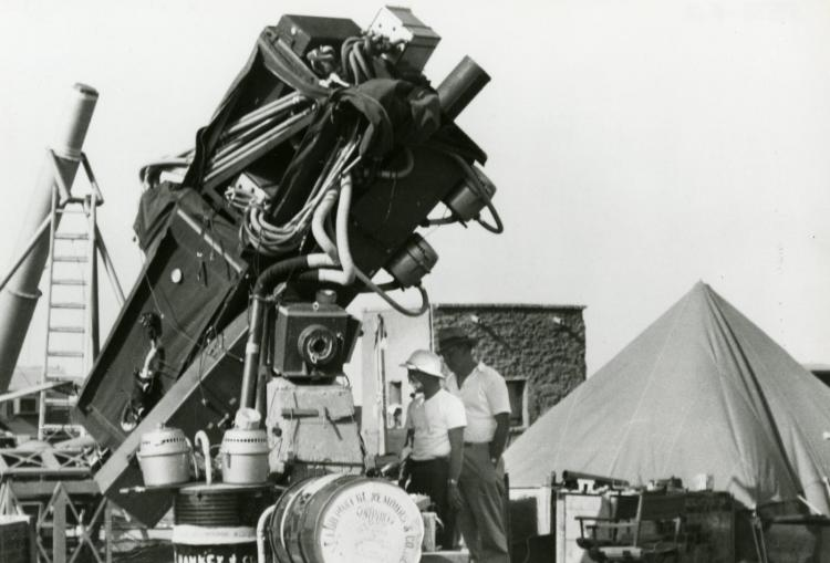 The Khartoum coronagraph is deployed, 1952